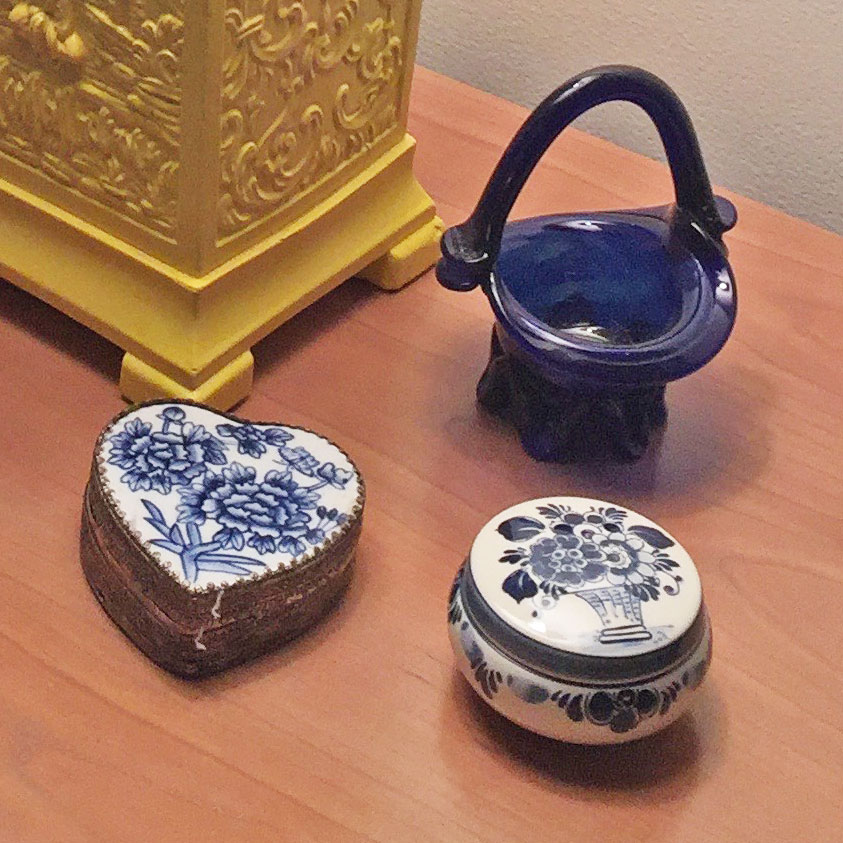 Royal Delft Pieces